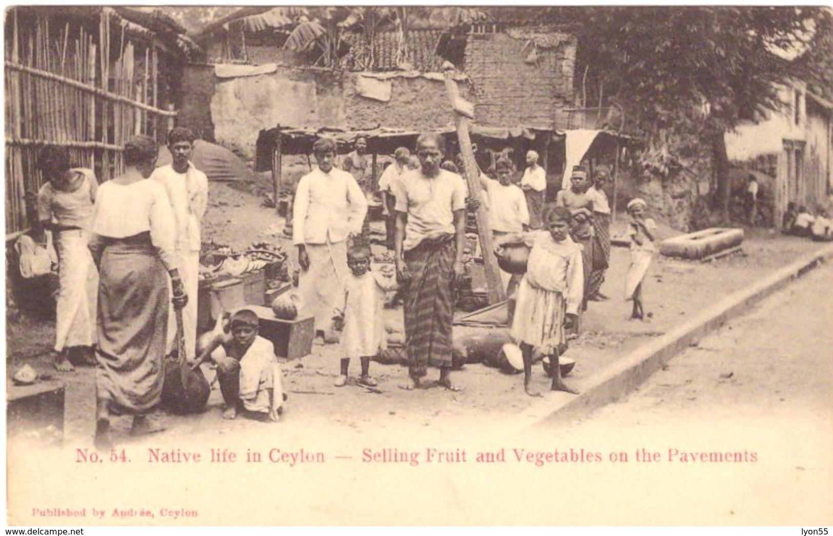 Native Life In Ceylon Selling Fruit And Vegetables On The Pavements - Sri Lanka (Ceylon)