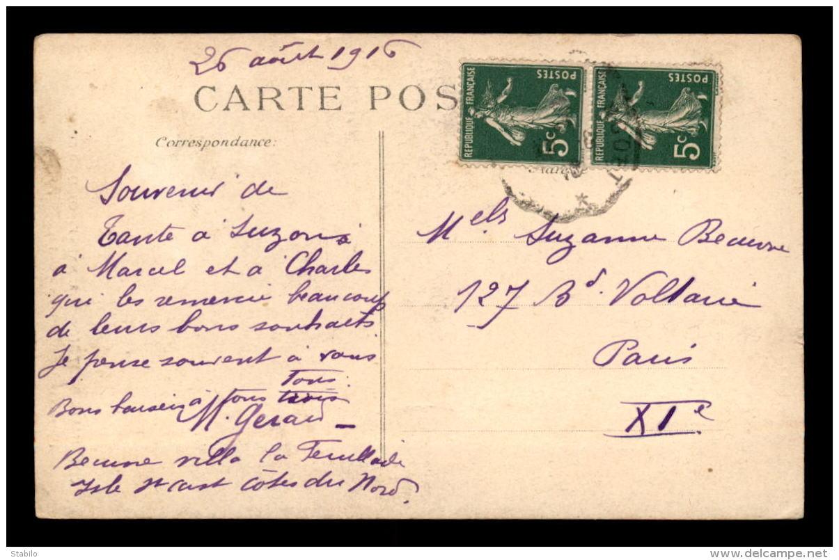 29 - ST-POL-DE-LEON - FEMME FUMEUSE DE PIPE EN COSTUME - Saint-Pol-de-Léon