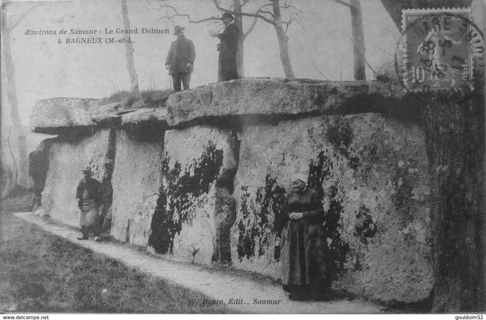 Environs De Saumur, Le Grand Dolmen à Bagneux - Autres Communes