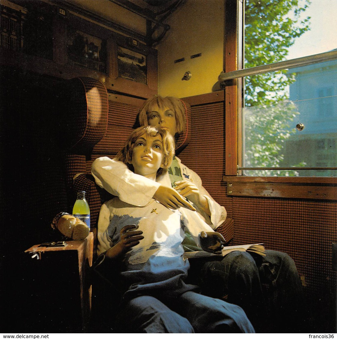 CPM - Photo Bernard Faucon - Dans Le Train - Mannequins - Photographe Photographie - Photographie