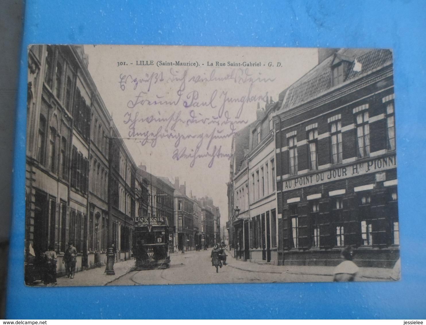 Carte Postale Lille Saint Maurice, La Rue Saint Gabriel, Tramway, Commerce - Strassenbahnen