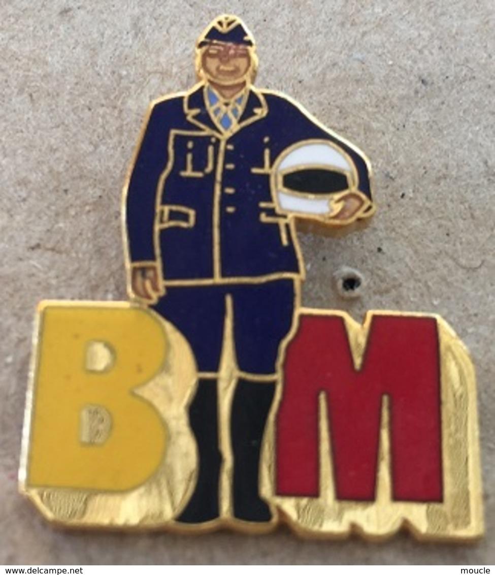 BRIGADE MOTORISEE - POLICE GENEVE - SUISSE - BM - CASQUE - MOTARD -      (20) - Police