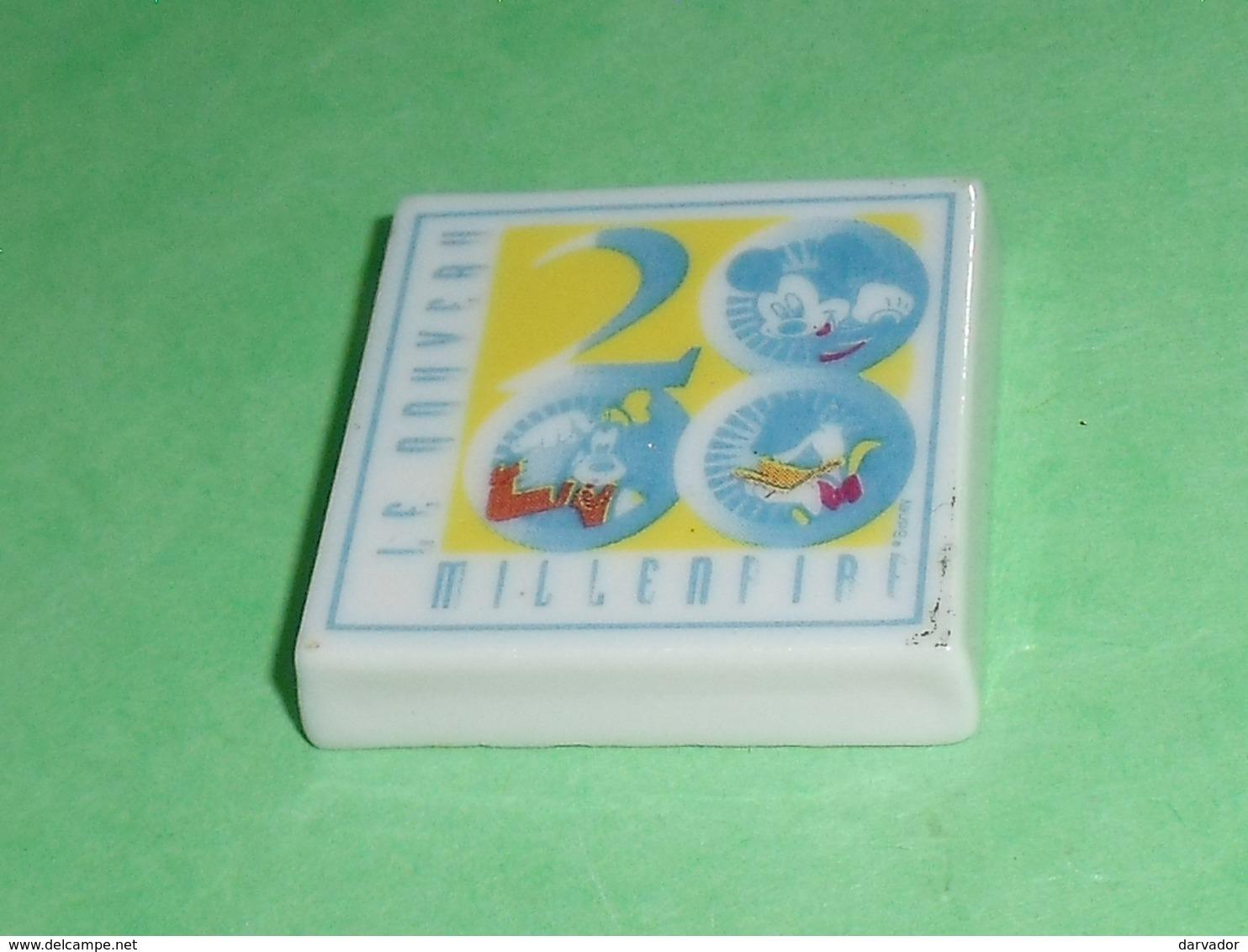 Fèves / Disney : Mickey , La Plaque 2000   T126 - Disney