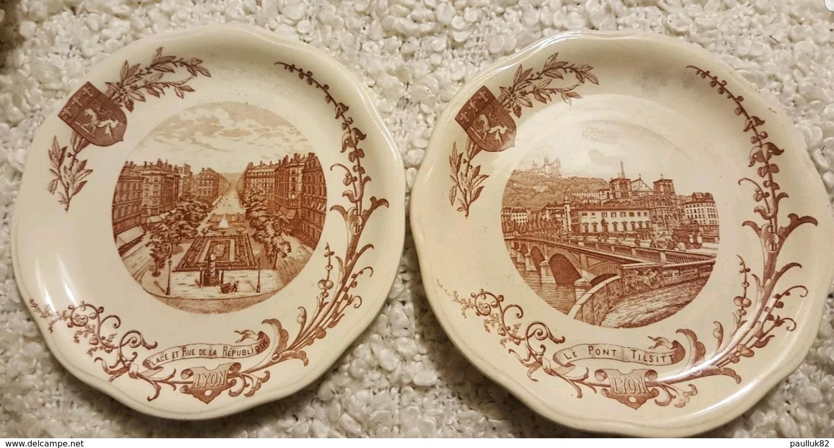2 Anciens Assiettes LYON. Le Pont Tilsitt. Place Et Rue De La République - Plates