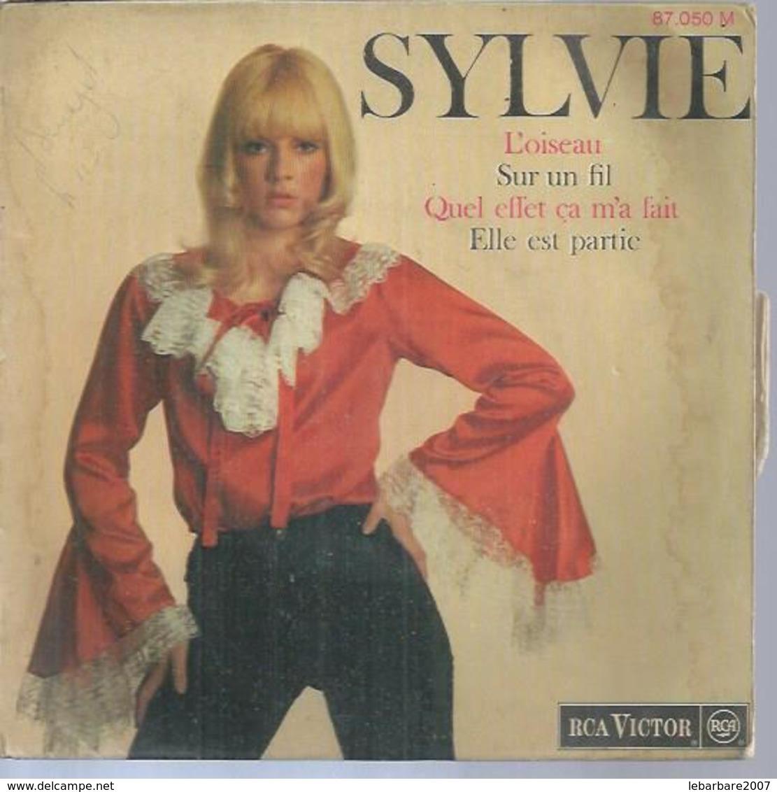 """45 Tours EP -  SYLVIE VARTAN - RCA 87050 -  """" L'OISEAU """" + 3  ( Avec Languette ) - Autres - Musique Française"""