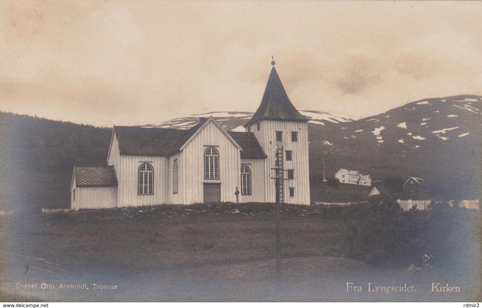 [81] Fra Lyngseider. Kirken (iglesia / Church / église / Chiesa / Kirche). Vintage Card / CPA. Postal Antigua. Not Write - Noruega