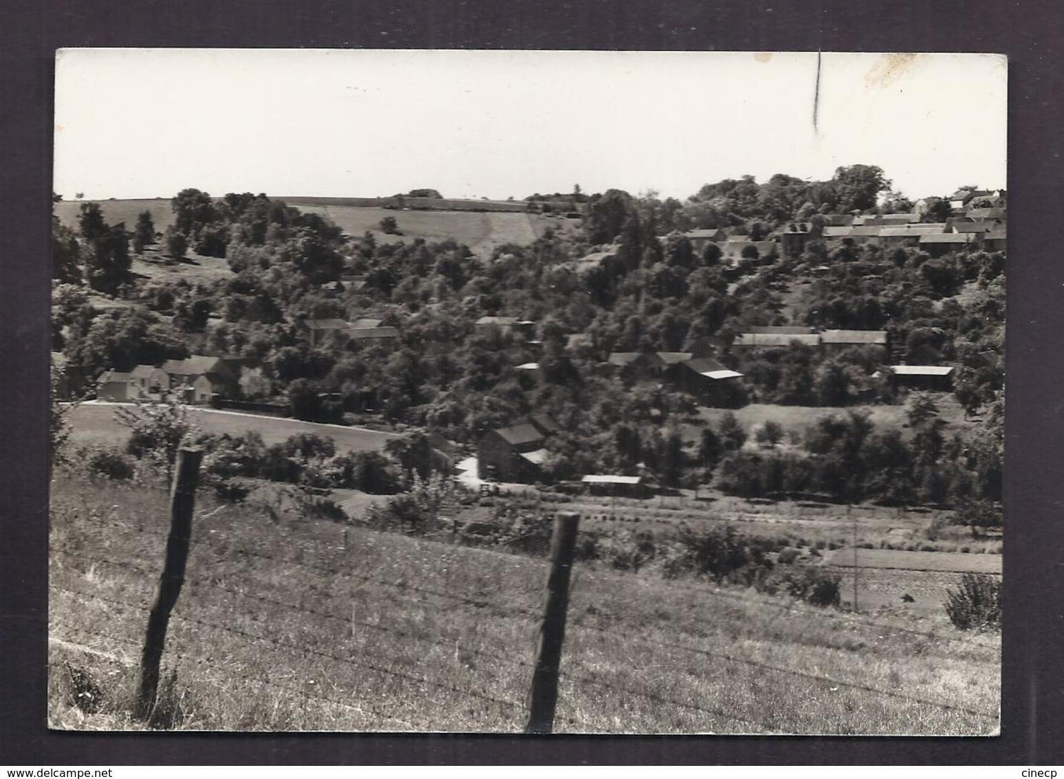 CPSM 27 - SENNEVILLE - Panorama N°1 - Très Jolie Vue D'une Partie Du Village Avec Détails De Maisons - Altri Comuni