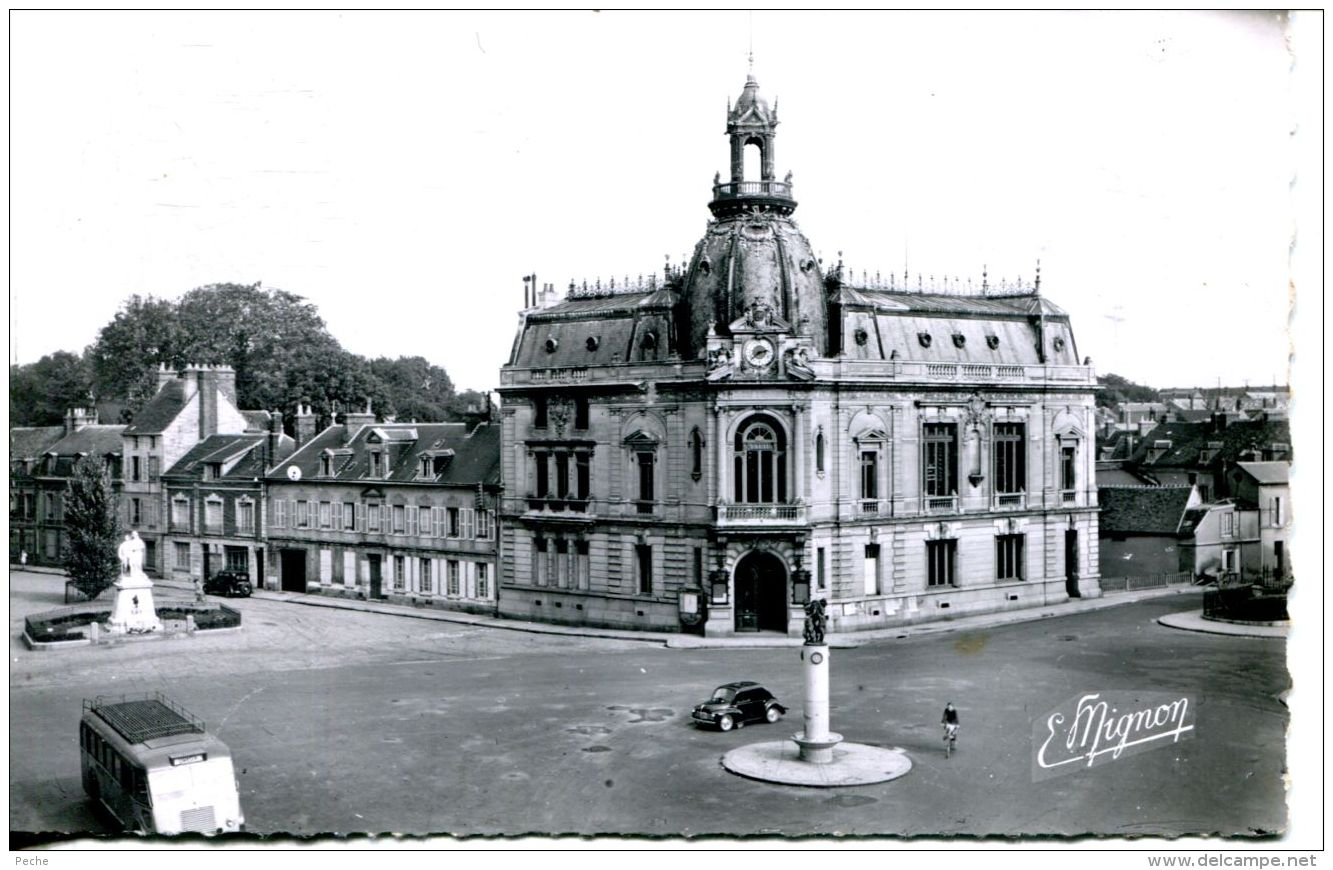 N°64062 -cpsm Dreux -caisse D'épargne- - Banques