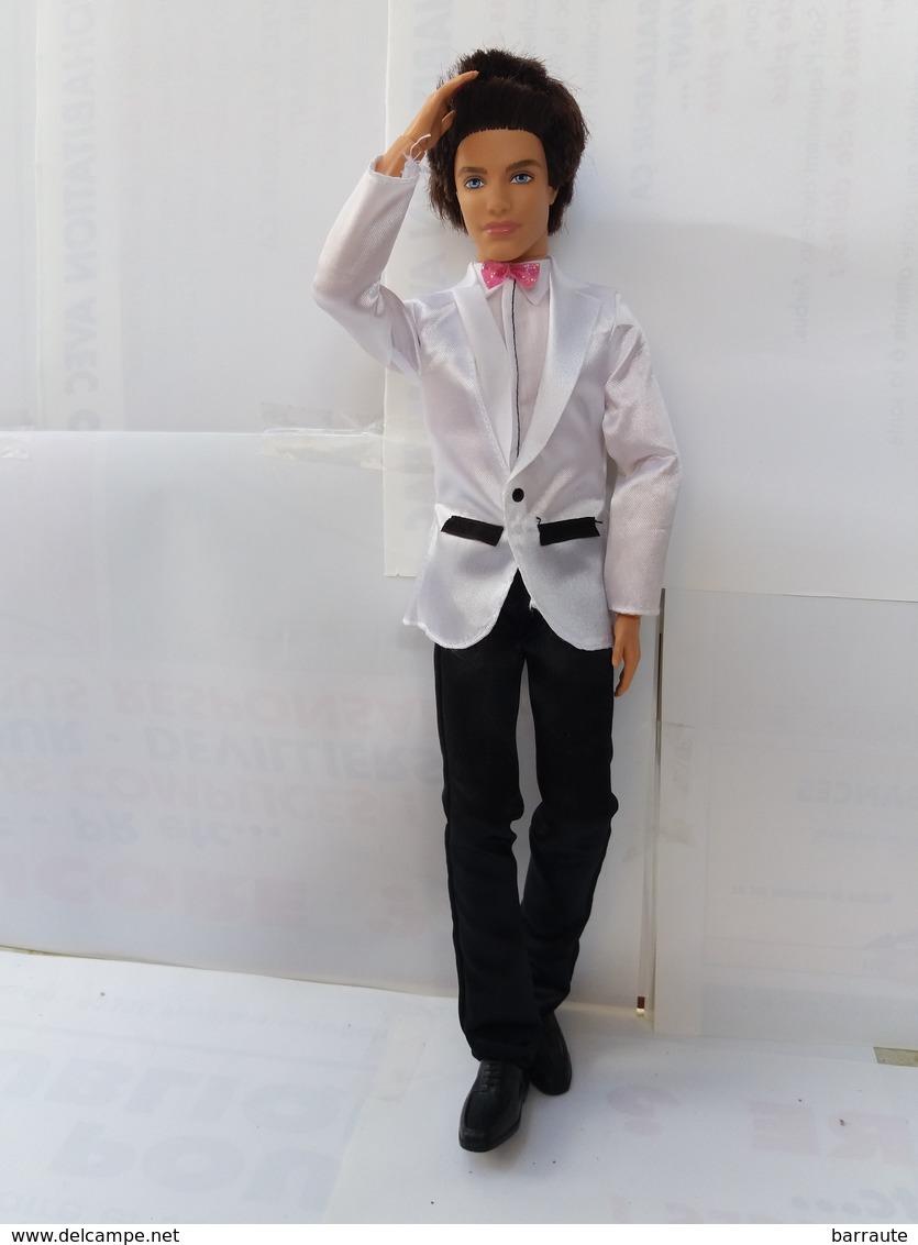Barbie KEN Entièrement Articulé Habillé Marié - Barbie