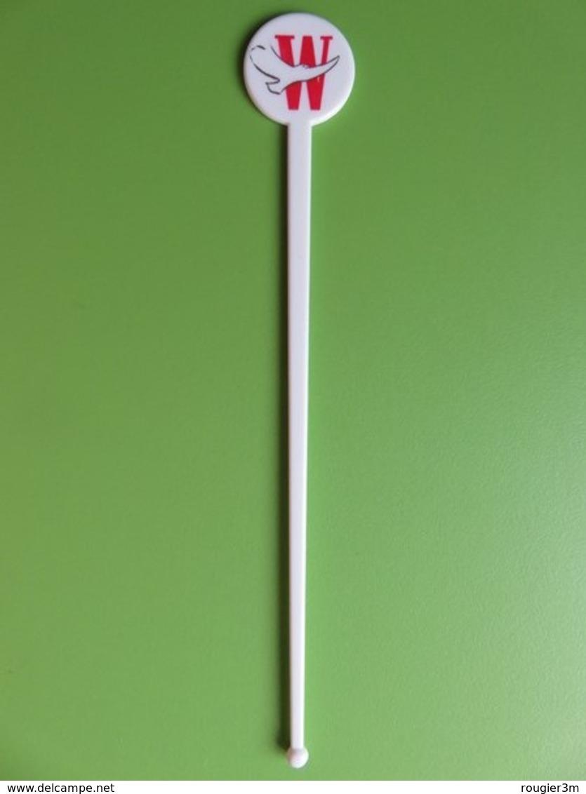 165 - Touilleur - Agitateur - Mélangeur à Boisson - Tabac - Cigarettes Winston Blanc Rouge - Swizzle Sticks
