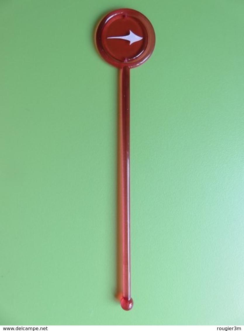 167 - Touilleur - Agitateur - Mélangeur à Boisson - Tabac - Winston Flèche Sur Fond Rose - Swizzle Sticks