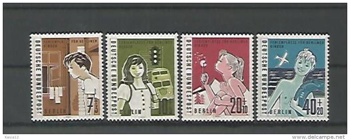 A02661)Berlin 193 - 196** - [5] Berlin