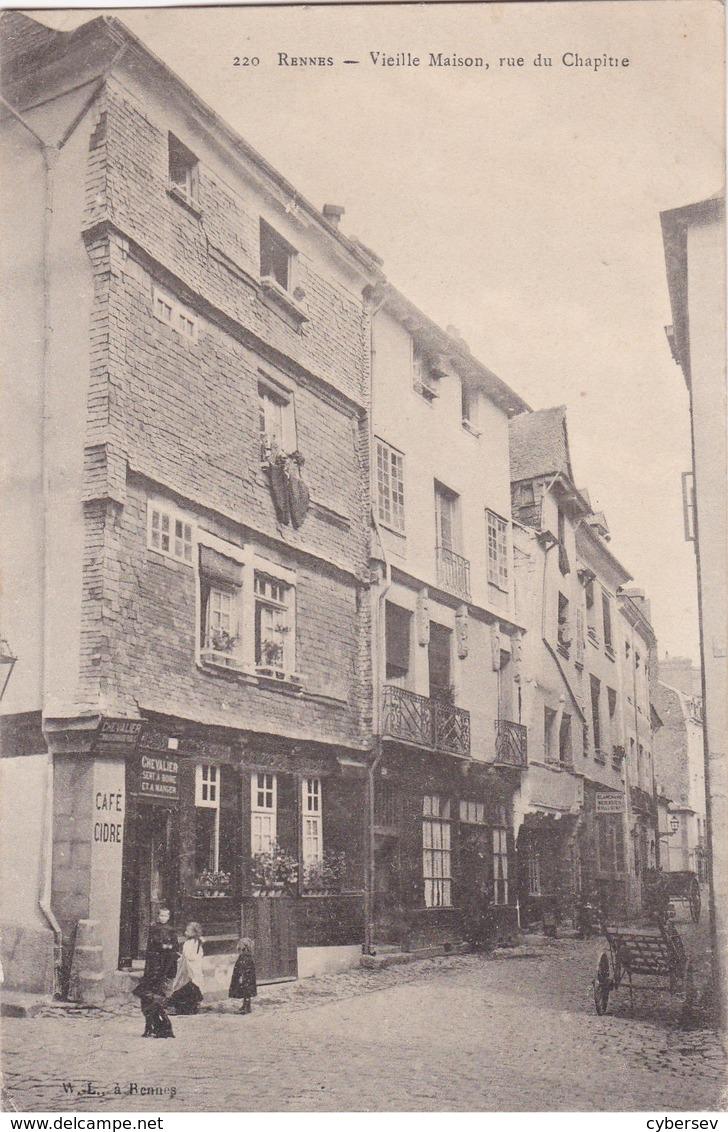 RENNES - Vieille Maison, Rue Du Chapitre - Café : Chevalier Sert à Boire Et à Manger - Blanchard Menuisier - Animé - TBE - Rennes