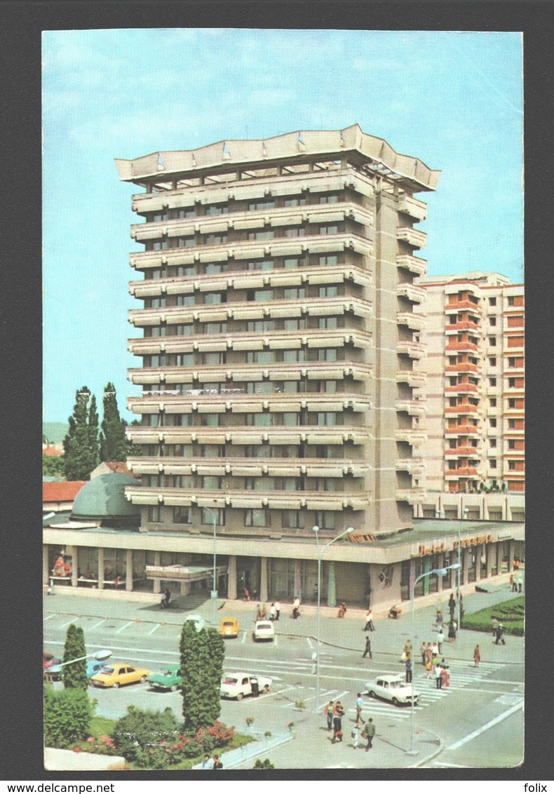 Bacau - Vedere Din Centru Eu Hotelul Decebal - Classic Cars - Animation - Roumanie