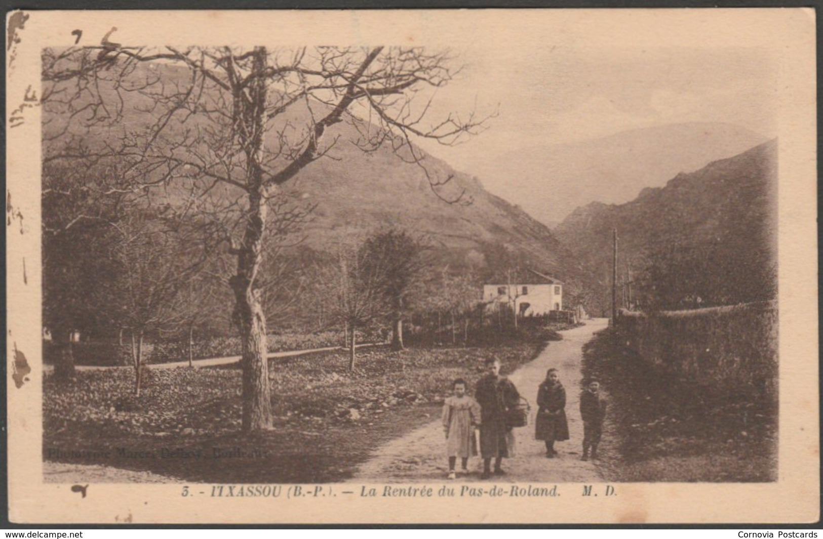 La Rentrée Du Pas-de-Roland, Itxassou, Labourd, C.1920s - MD CPA - Itxassou