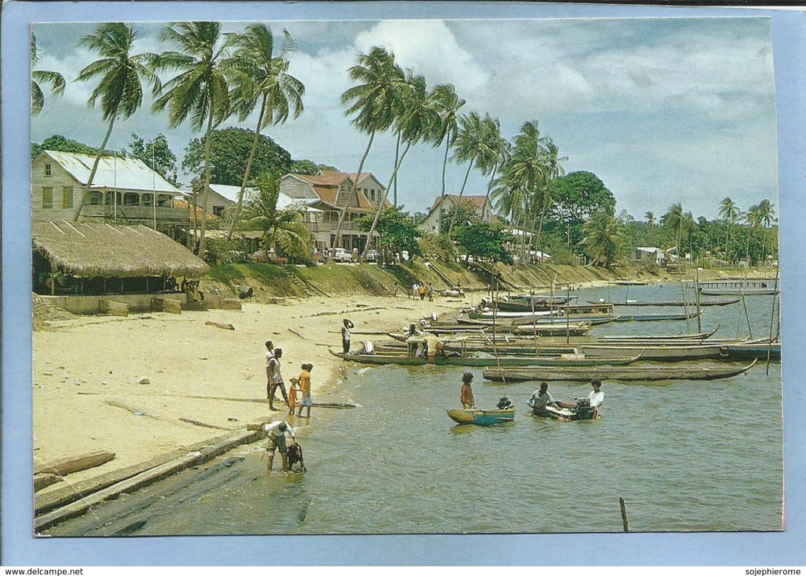 Carte Postale Animée Editions G. Delabergerie à Cayenne - Guyane Française 2 Scans Pirogues Village Palmiers Plage - Cayenne
