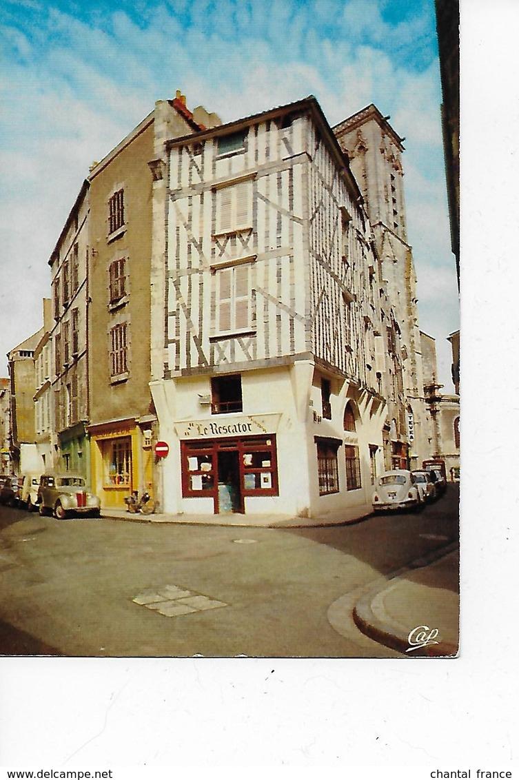 """1 CPM La Rochelle. Bar Restaurant Crêperie """"Le Rescator"""". Autos En Stationnement - La Rochelle"""