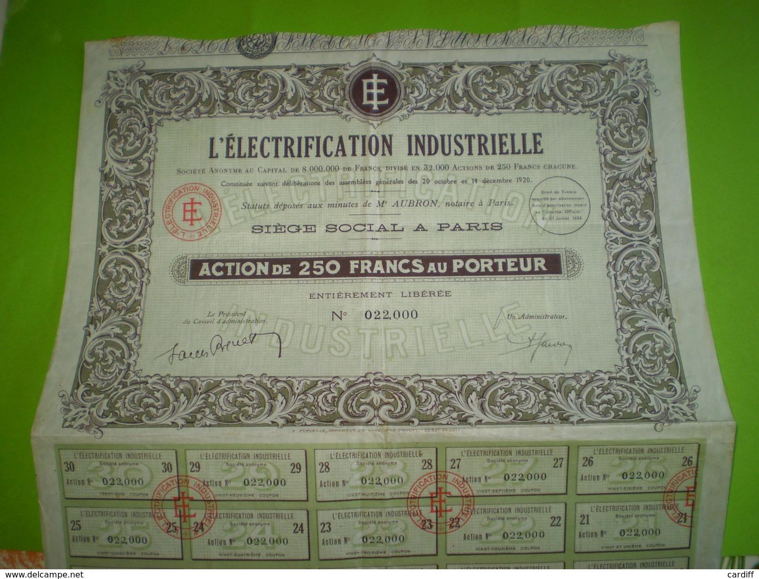 Action L'Electrification Industrielle De 250 Francs Au Porteur N° 22000, Planche De 30 Coupons. Droit De Timbre 1933 - Electricité & Gaz