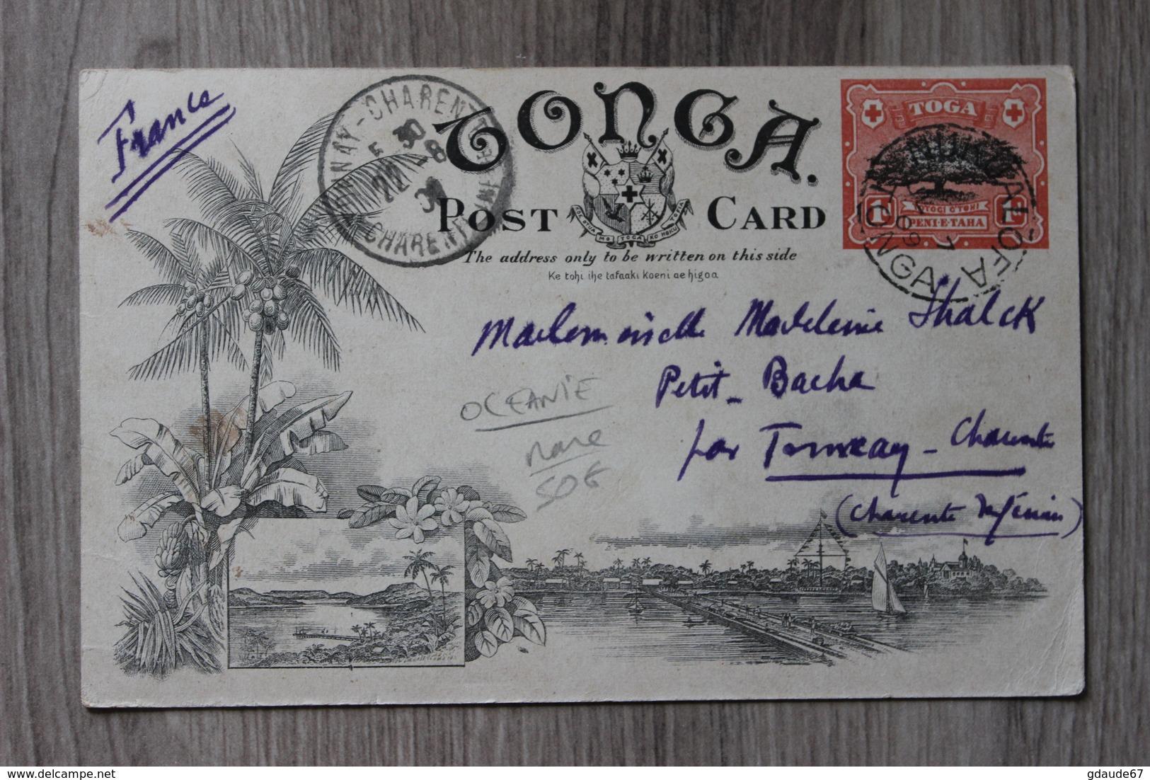 TONGA (OCEANIE) - STRIPPING BARK FOR TAPPA MAKING - Tonga