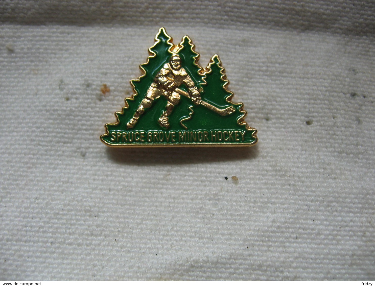 Pin's Spruce Grove Minor Hockey Association. Hockey Sur Glace - Patinage Artistique