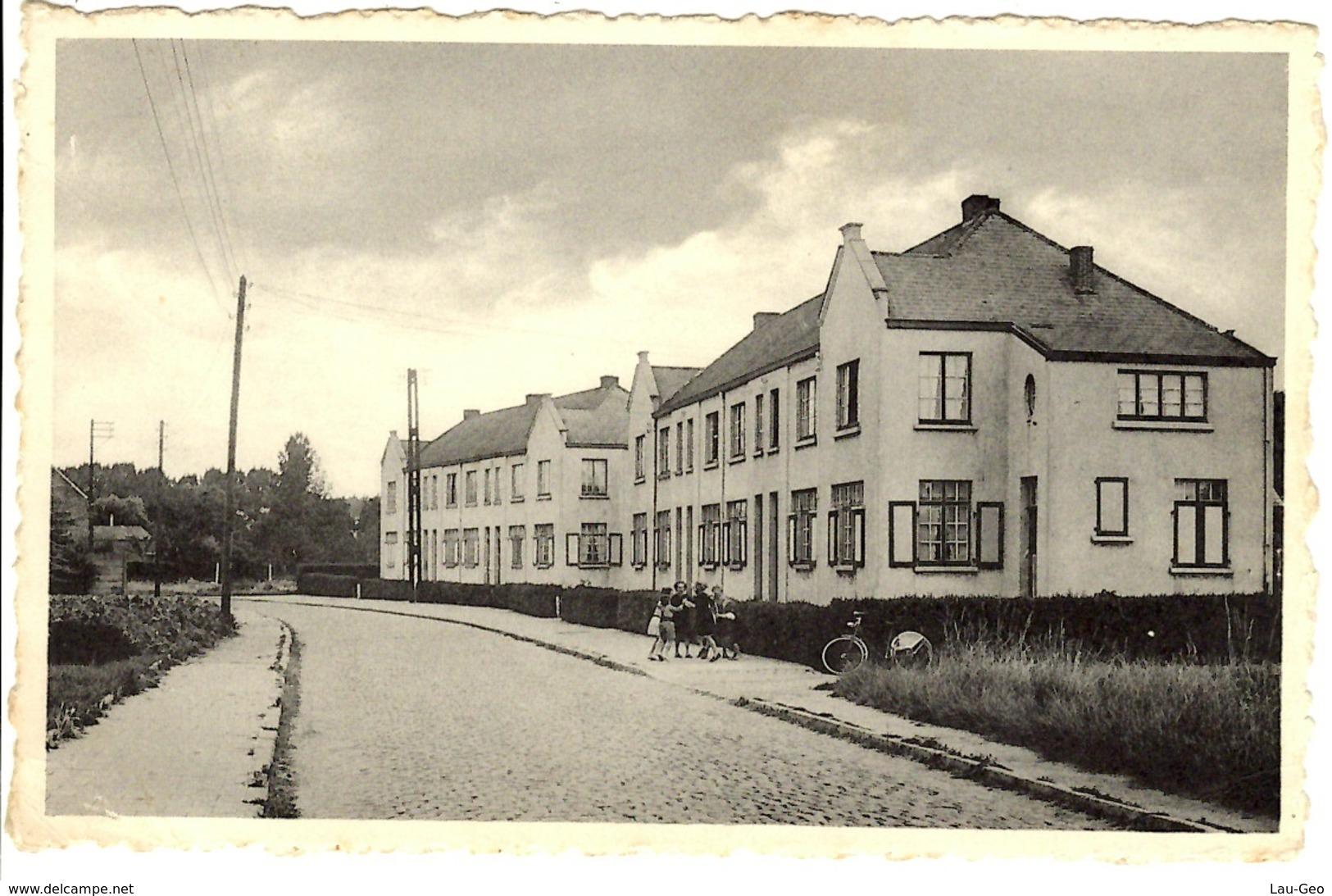 Kapelle-op-den-Bos. Groep Huizen Der Fabriek Eternit - Kapelle-op-den-Bos