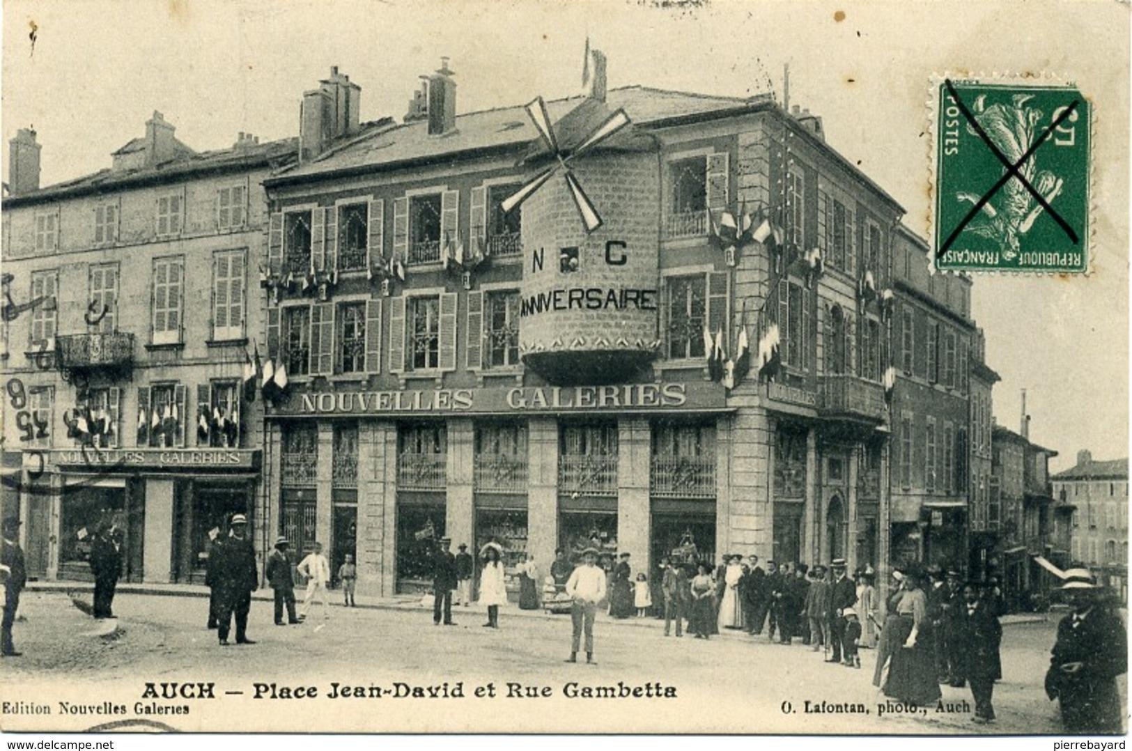 Auch. Place Jean-David.et Rue Gambetta. (32 Gers). (Anniversaire Nouvelles Galeries.) - Auch