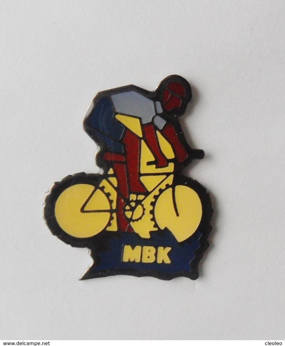 Pin's Vélo Bicyclette BMK - 16A19 - Autres