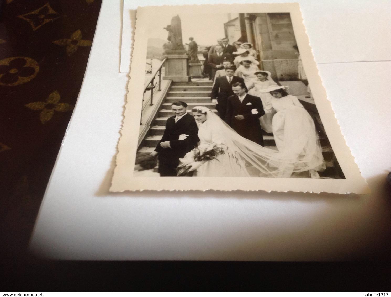 Photo Noir Et Blanc Bord Blanc Femme Homme  Enfants Mariage Saulxures Vosges Eglise - Anonymous Persons