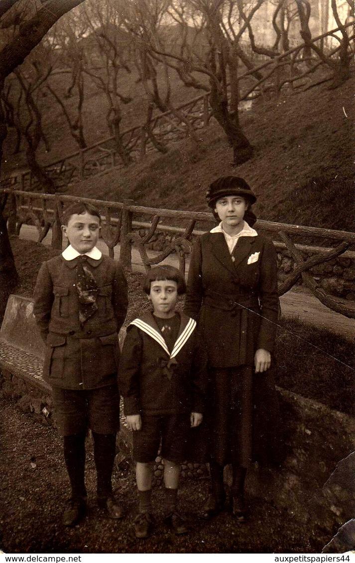 Lot De 3 Cartes Photos Originales Famille Au Parc & Enfants Sur Différentes Poses Vers 1910/20 - Guilleminot, Boespflug - Pin-Ups