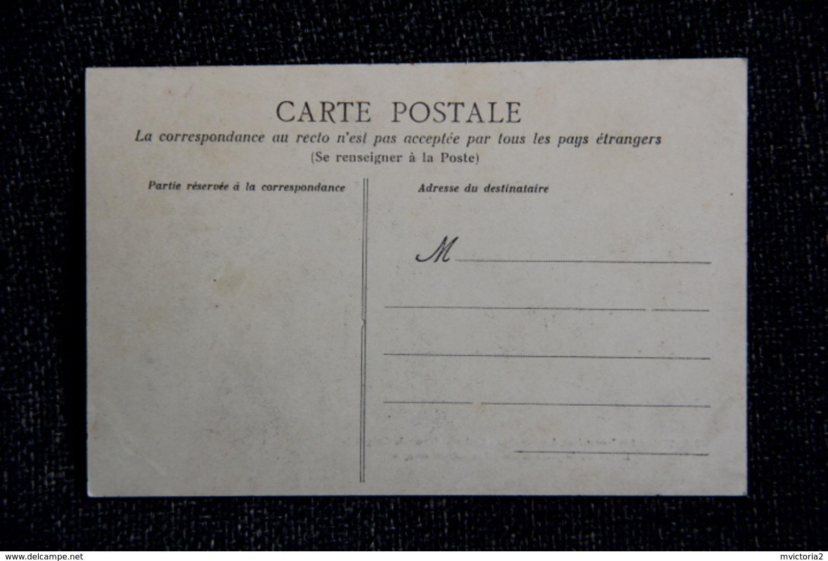 NANTES - Les Inventaires, Journée Du 22 Février, Devant La Cathédrale, Le Peloton De Gendarmerie. - Nantes