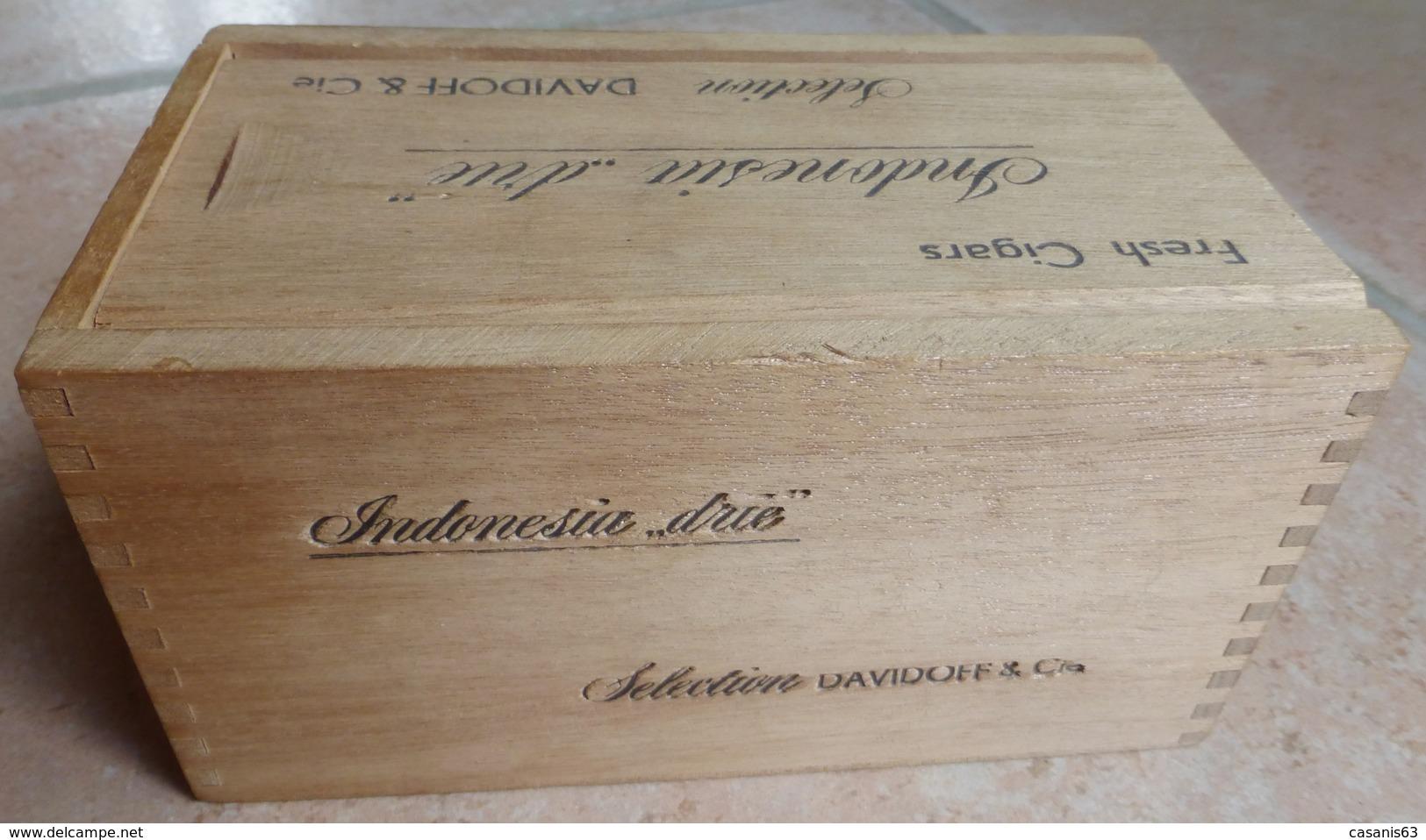 Boite Cigare DAVIDOFF - Fresh Cigars 25 INDONESIAN DRIE  Sélection DAVIDOFF & Cie - Étuis à Cigares