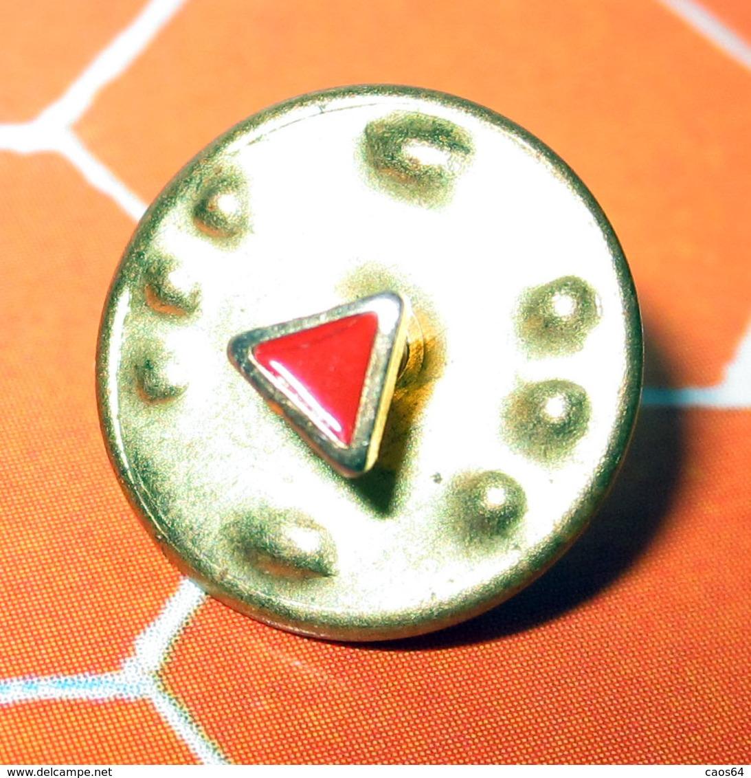 PIN TRIANGOLINO ROSSO SMALTATO - Badges