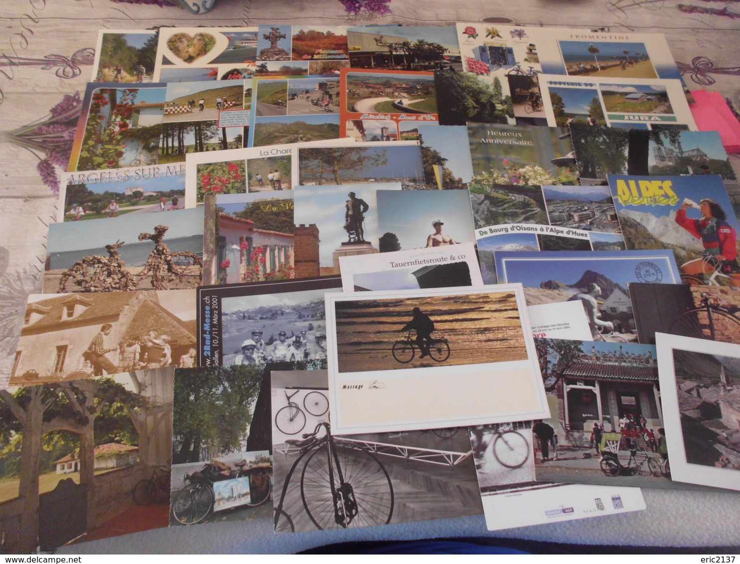 LOT DE 35 CARTES AVEC VELOS..CYCLISTE..BICYCLETTE.... - Postcards