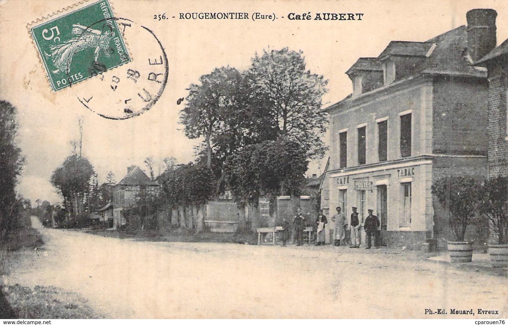 C P A Eure 27 Rougemontiers  Le Café Tabac Aubert Carte Animée - Altri Comuni