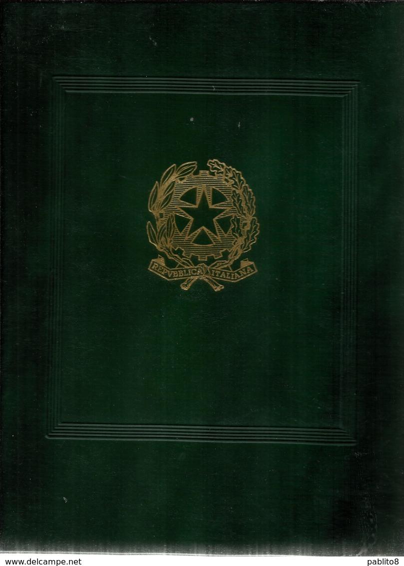ITALIA REPUBBLICA ALBUM RACCOGLITORE 22 ANELLI CON FOGLI MARINI CON TASCHINE OTTIME CONDIZIONI ANNI DAL 1978 AL 1989 - Album & Raccoglitori