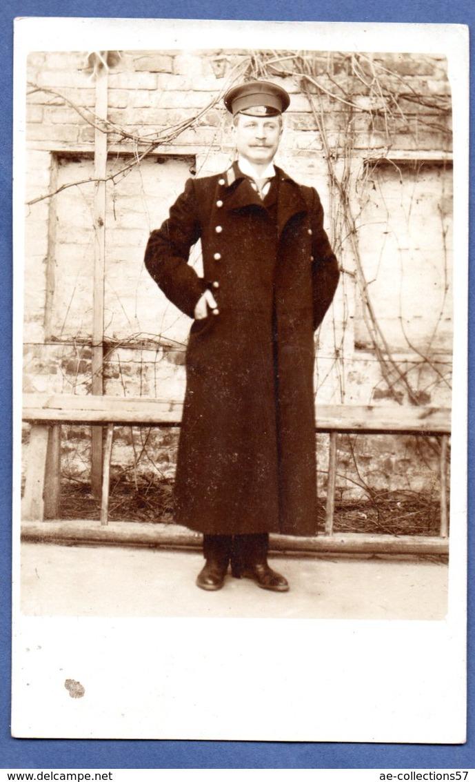 Carte Photo  --  Soldat Russe  -  1906 - Uniformes