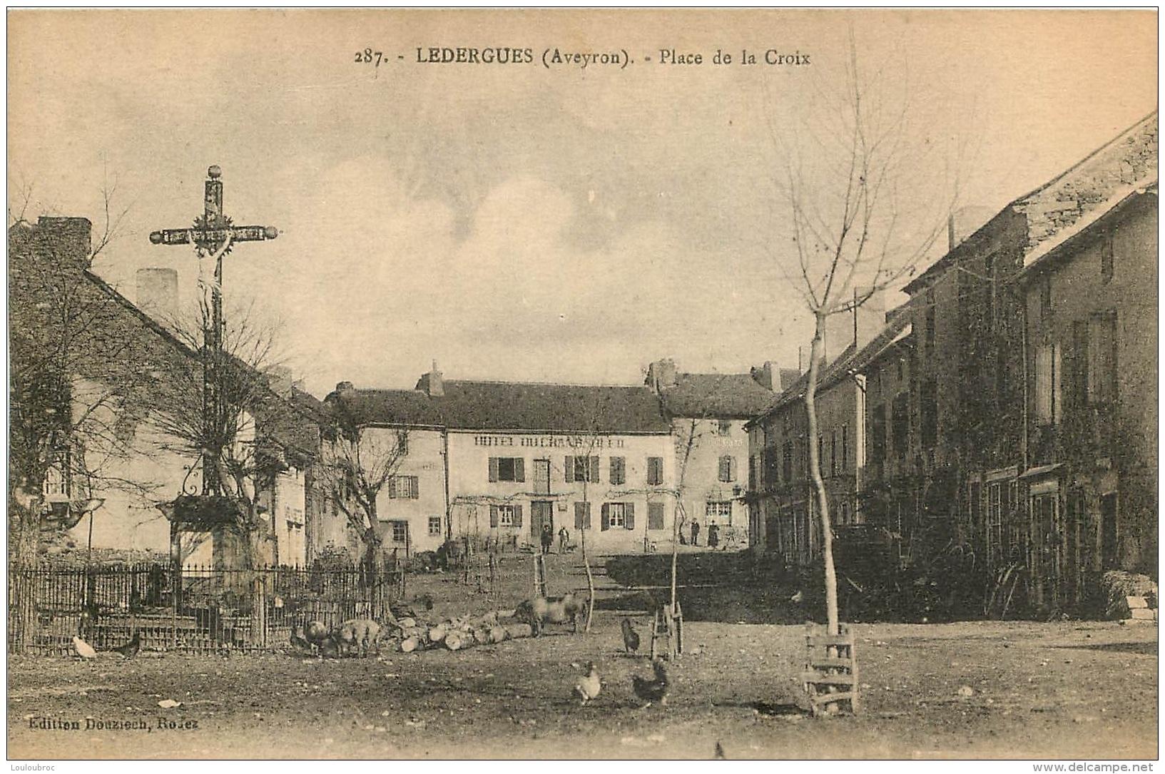 LEDERGUES PLACE DE LA CROIX - France