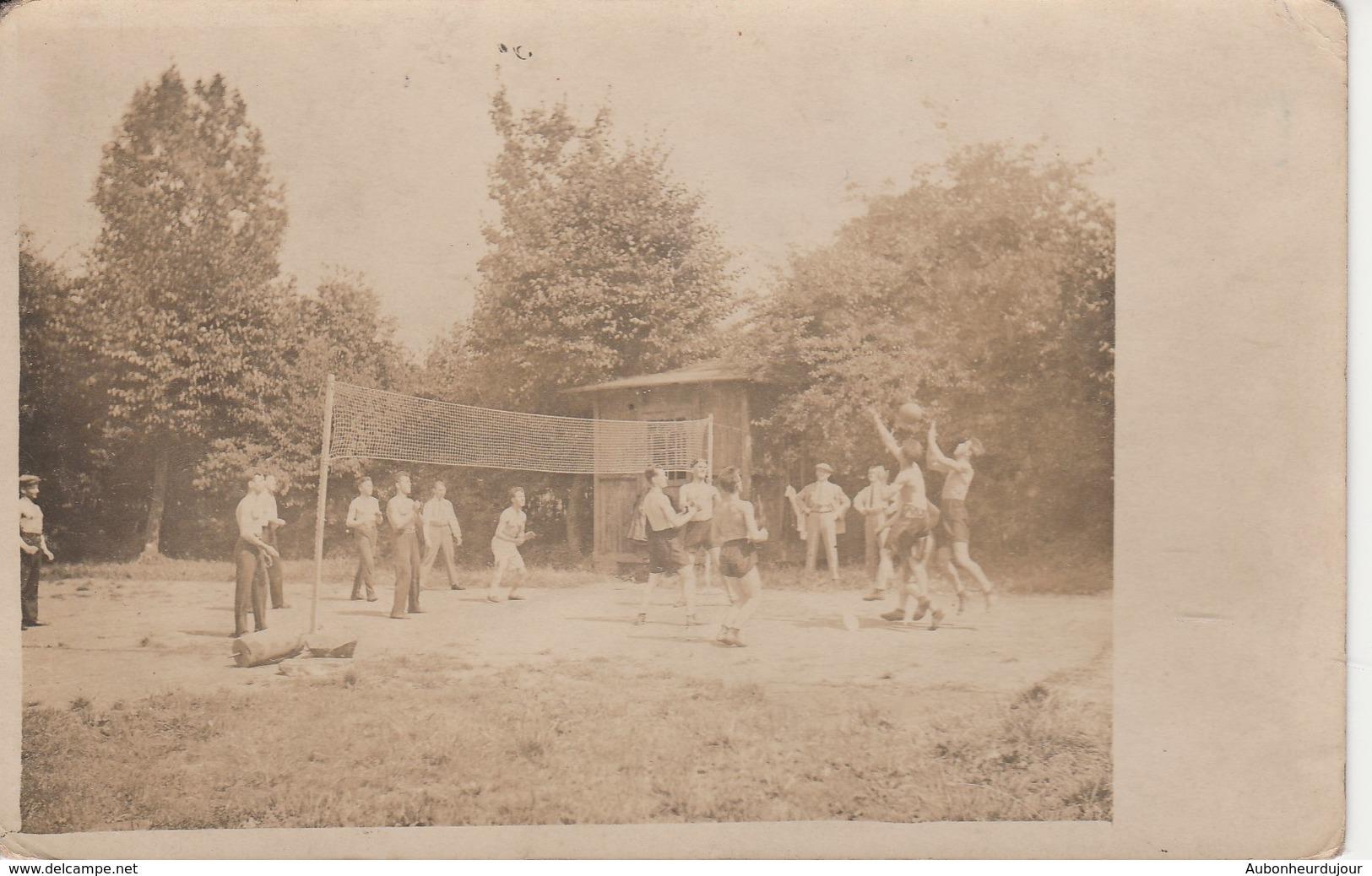 Une Partie De Volley-ball 1095H - Volleyball