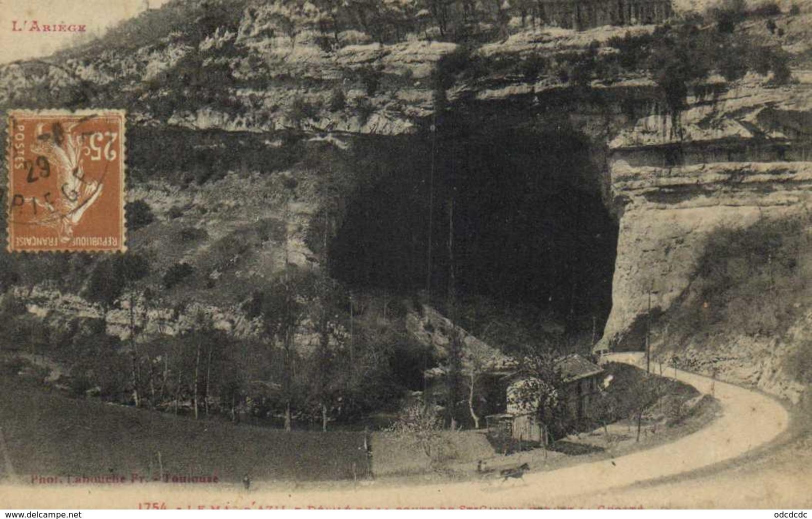 L'Ariège LE MAS D'AZIL  Défilé De La Route De St Girons Devant La Grotte Labouche RV - France