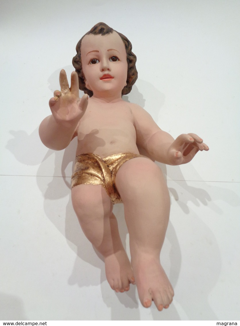 Escultura De Gran Tamaño Del Niño Jesús. Material: Pasta Cartón Madera, Ojos De Cristal. Talleres Olot (Sin Marca). - Religión & Esoterismo