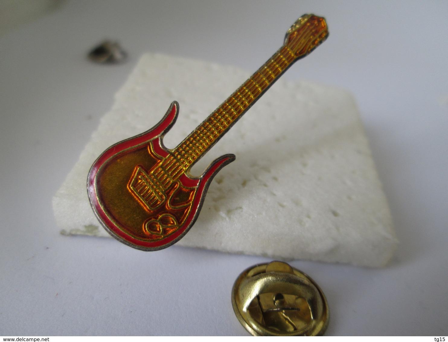 PIN'S  GUITARE - Musique