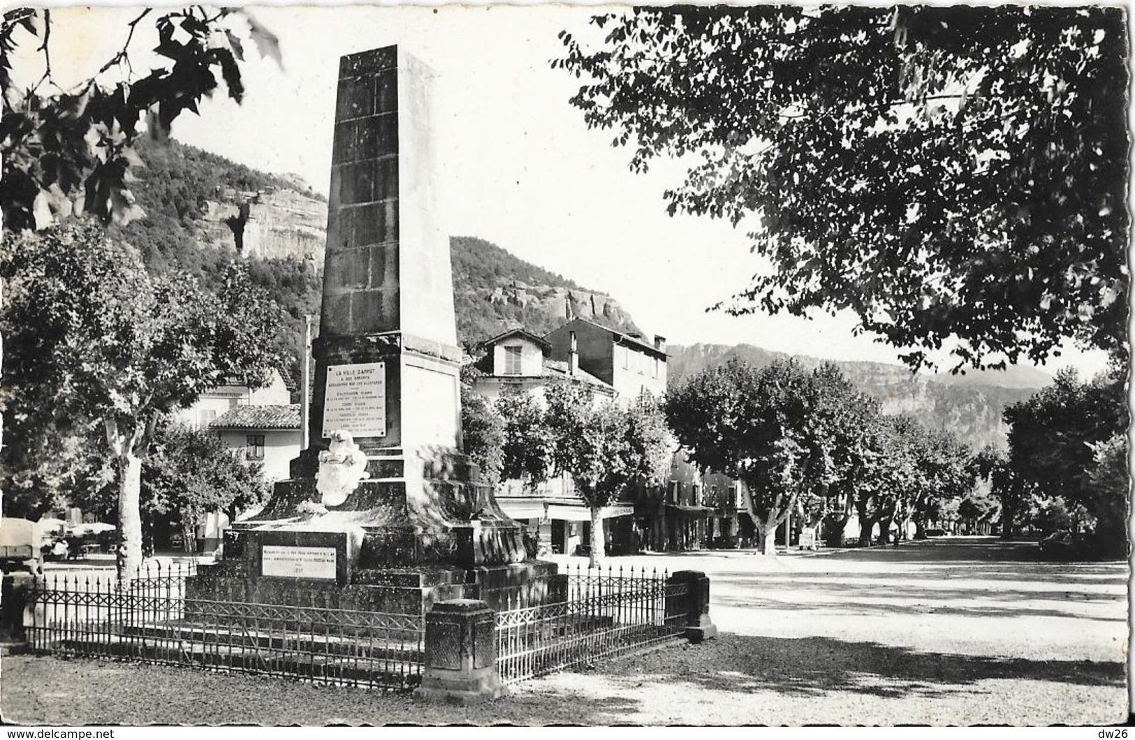 Annot (Alpes De Haute Provence) - Place Du Rivelli, Monument Aux Morts - Carte MAR N° BO 76 - Autres Communes