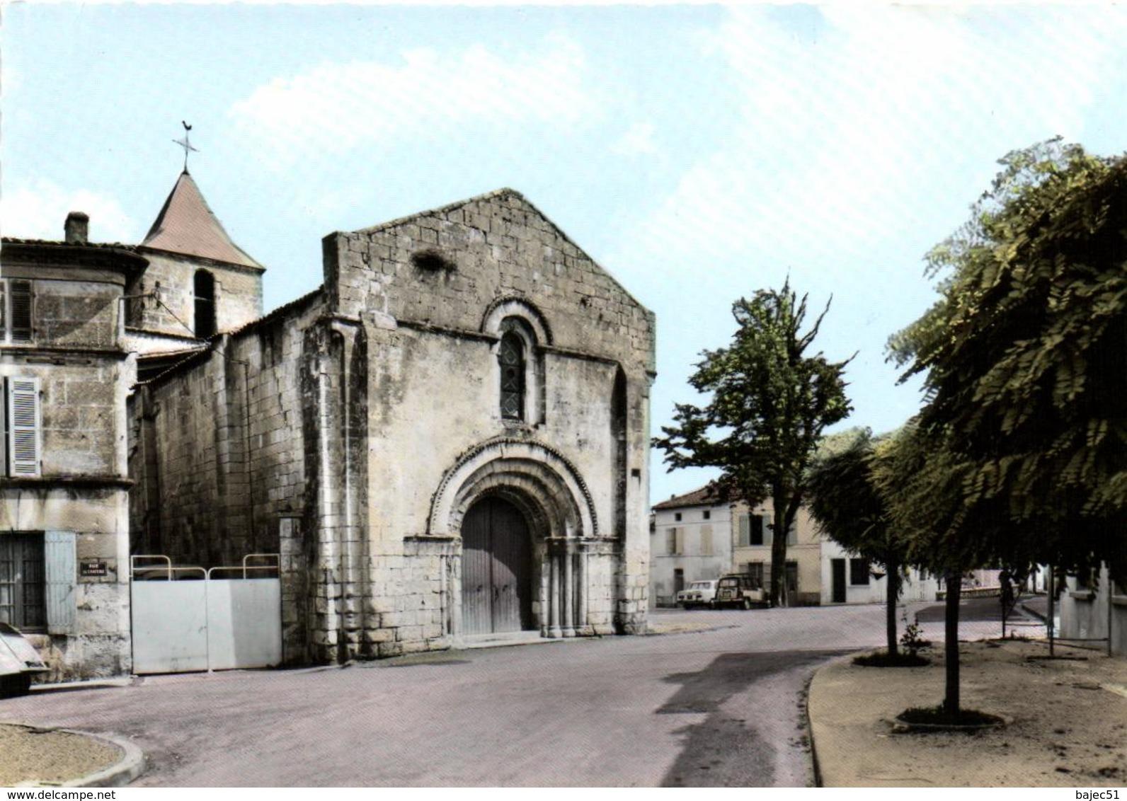 1 Cpsm Burie - L'église Et La Place - France