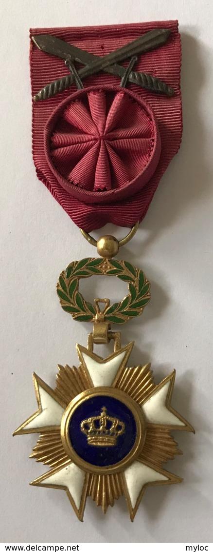 Militaria. Médaille Décoration Belge. Chevalier à L'Ordre De La Couronne à Titre Militaire. - Belgique