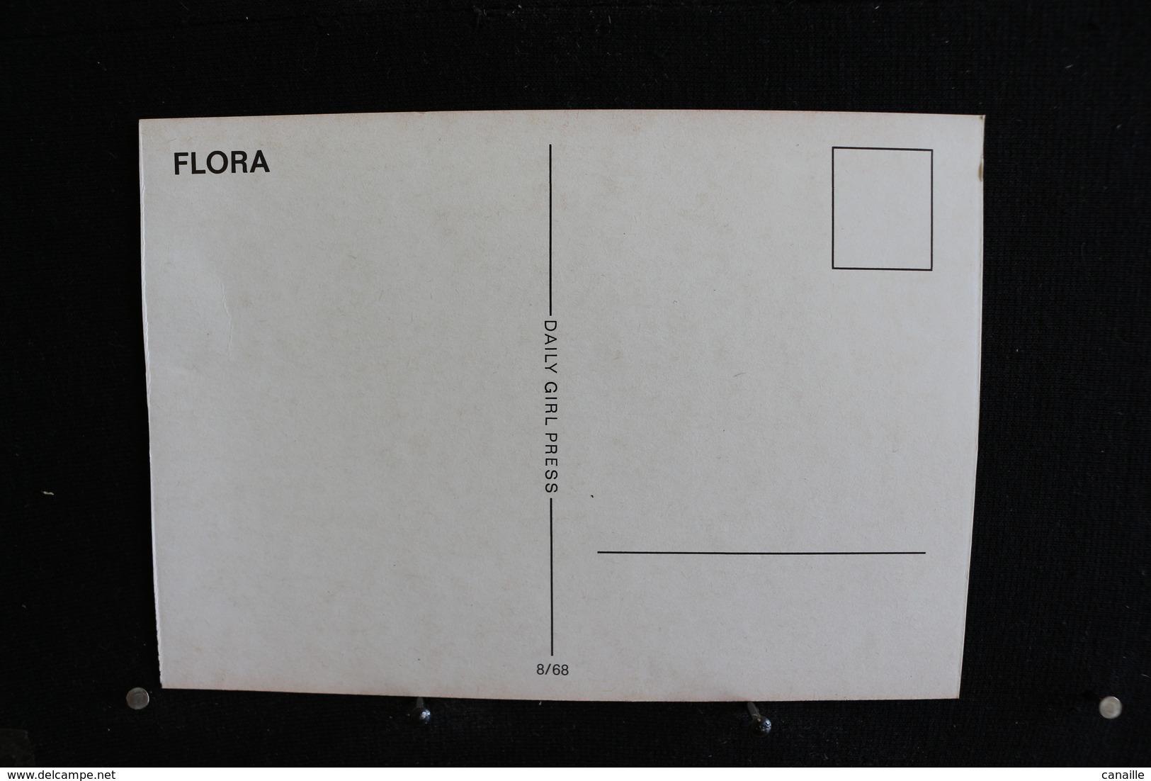 3  - P-up / Carte - Photo /  Pin-Up  -  FLORA  -  Modèle  Nue /  Circulé   .- - Pin-Ups