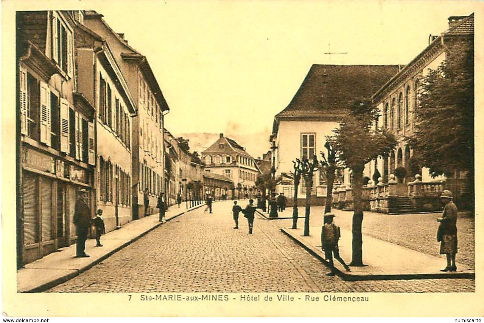 Cpa SAINTE MARIE AUX MINES 68 Hôtel De Ville - Rue Clémenceau - Sainte-Marie-aux-Mines