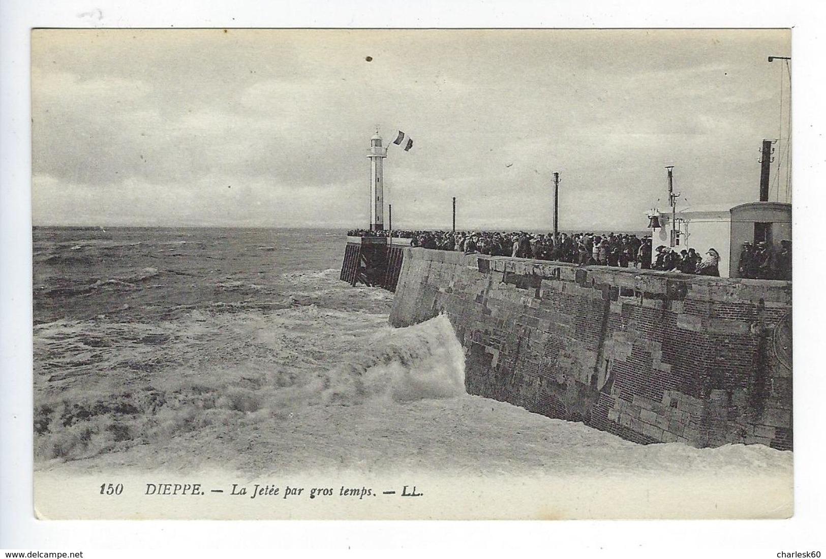 CPA Dieppe La Jetée Par Gros Temps 150 - Dieppe