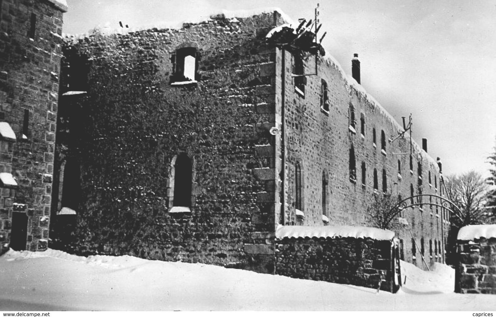 NOIRETABLE L'Hermitage Après L'incendie - France