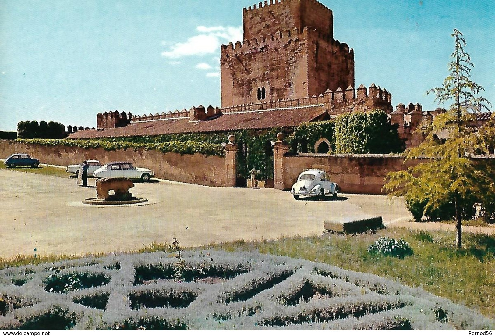 Espagne Ciudad Rodrigo  Salamanque  DS  Fiat 500 COCCINELLE VW - Voitures De Tourisme