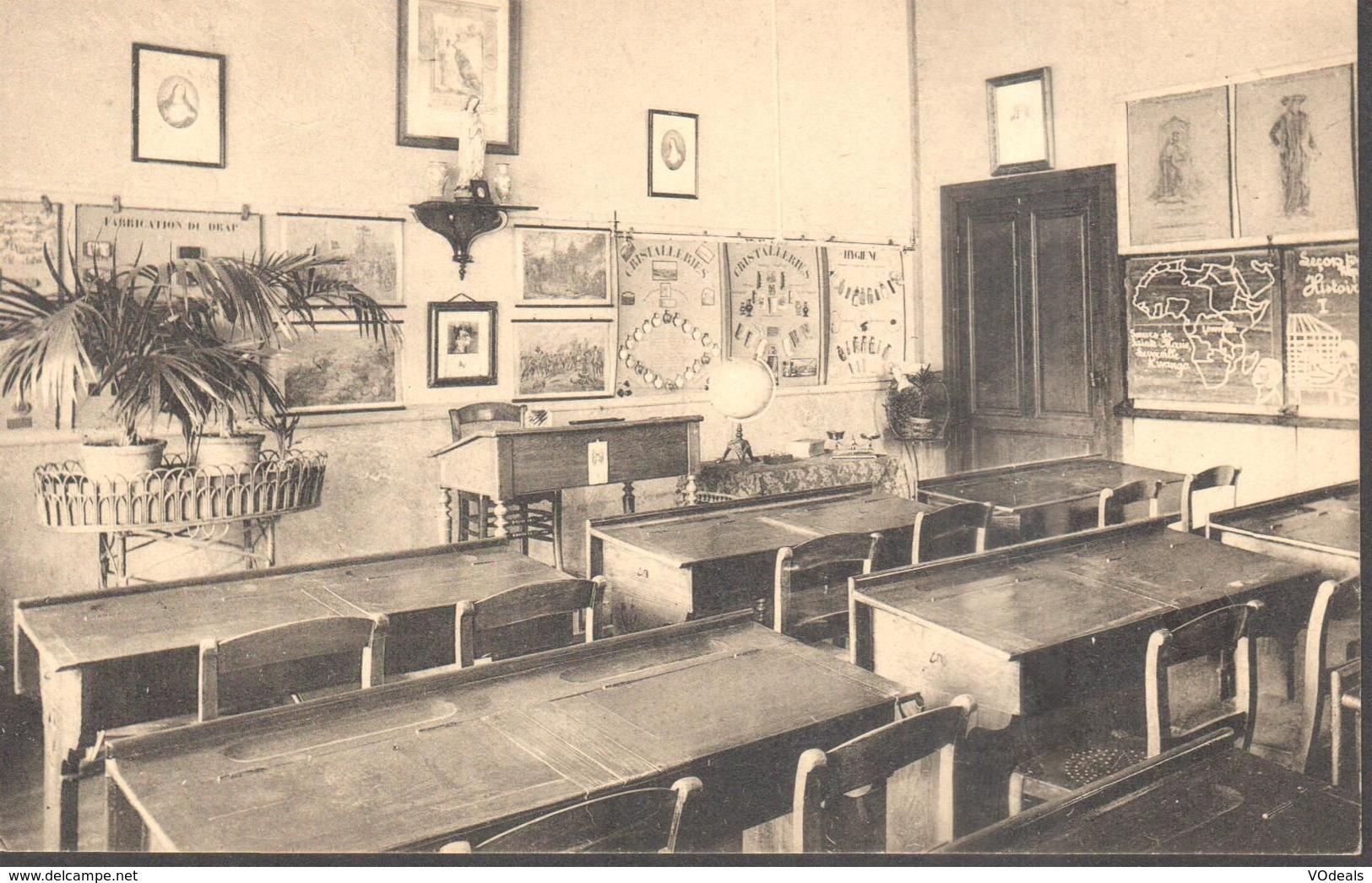 CPA - Belgique -  Liège - Huy - Sainte-Marie - Ecole Normale Et Pensionnat - Une Classe De L'Ecole Normale - Huy
